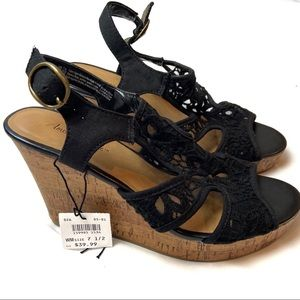 NWOB American Eagle Black Cork Wedges 7.5